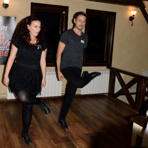 irski-ples-nastupi-lakat
